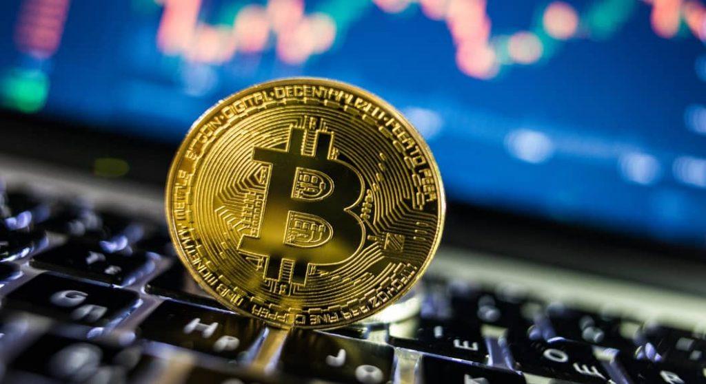 Bitcoin a urcat pe locul patru