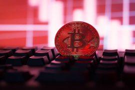 Bitcoin scade sub nivelul de suport